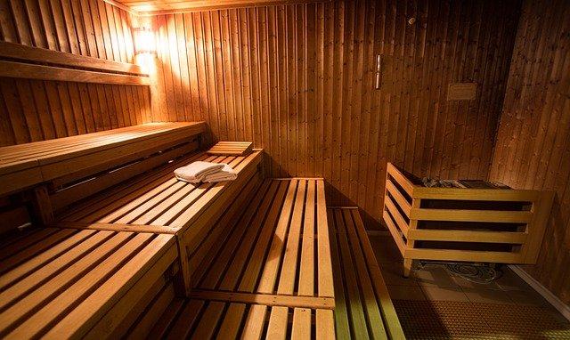 ručníky v sauně