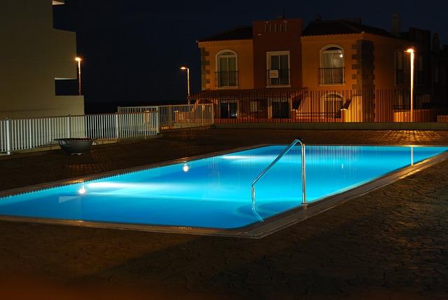 víkendový bazén