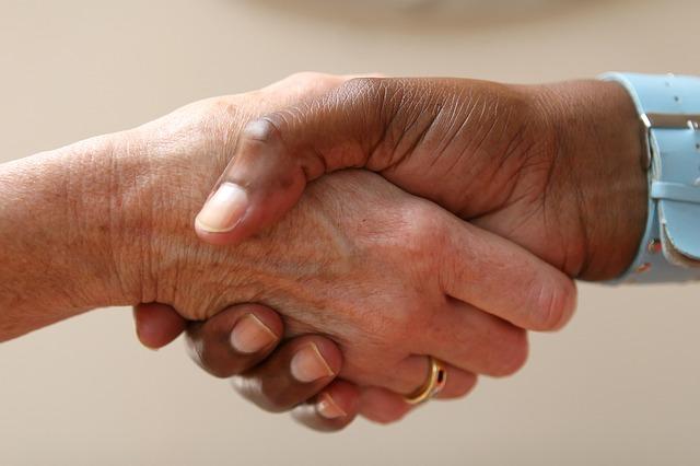 potřes rukou